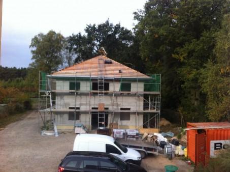 Rohbau-mit-Dachstuhl.jpg