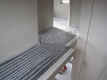 Wasserschläche-für-Niedertemperatur-Fußbodenheizung.jpg